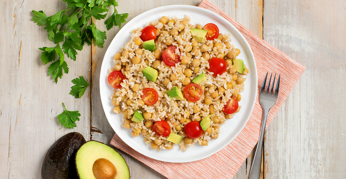 Healthy-Rice-Bowl-with-Avocado-and-Chickpeas-1200x620